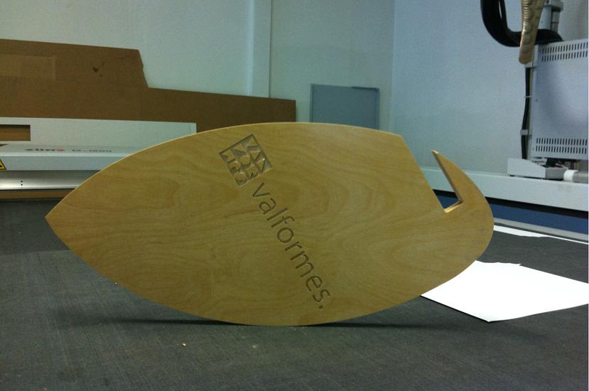 Découpe pieds de table personnalisés